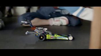 LEGO TV Spot, 'Holidays: And I Think To Myself: Car Chase' - Thumbnail 9
