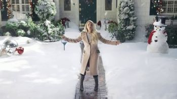 Ring TV Spot, 'Holidays: Favorite Time of Year' Featuring Carrie Underwood - Thumbnail 8
