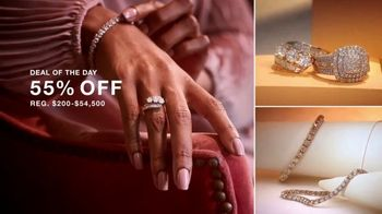 Macy's Thanksgiving One Day Sale TV Spot, 'Cozy Gifts and Diamond Jewelry' - Thumbnail 7