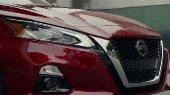 2021 Nissan Altima TV Spot, 'Parking Spot' Song by John Rowcroft, Tarek Modi [T1] - Thumbnail 5