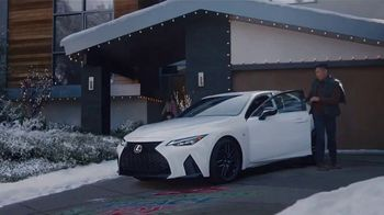 Lexus December to Remember Sales Event TV Spot, 'Driveway Moments: Graduation' [T1]