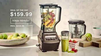 Macy's Thanksgiving One Day Sale TV Spot, 'Holiday Gifts: Boots, Ninja Blender and Comforters' - Thumbnail 5