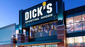 Dick's Sporting Goods TV Spot, 'Golf Galaxy: The Best Holiday Gifts' - Thumbnail 2