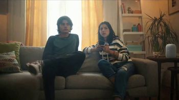 Google Nest TV Spot, 'El estéreo portatil bilingüe' [Spanish]