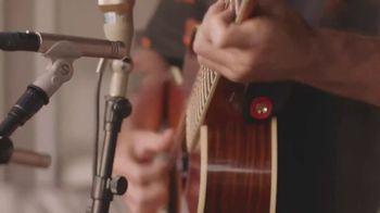 Guitar Center TV Spot, 'Make Music: Juanes' - Thumbnail 9
