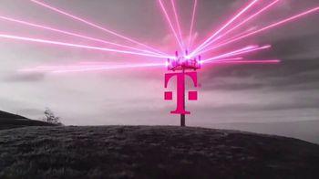 T-Mobile TV Spot, 'iPhone 12 Pro Max y dos líneas: $100 dólares' canción de Surfaces [Spanish] - Thumbnail 1