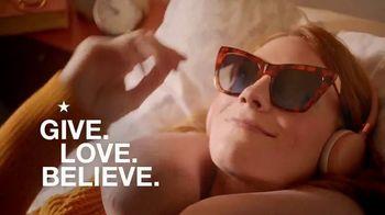 Macy's TV Spot, 'Holidays: The Perfect Vacation' - Thumbnail 10