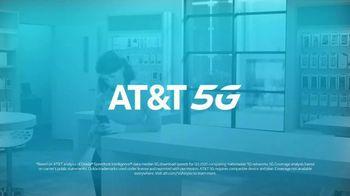 AT&T Wireless 5G TV Spot, 'New Putter' - Thumbnail 10