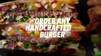 Applebee's $1 Bonus Boneless Wings TV Spot, 'With Any Hand-Crafted Burger' Song by Smash Mouth - Thumbnail 3