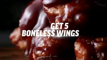 Applebee's $1 Bonus Boneless Wings TV Spot, 'With Any Hand-Crafted Burger' Song by Smash Mouth - Thumbnail 5
