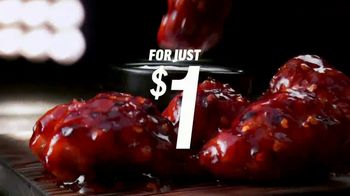 Applebee's $1 Bonus Boneless Wings TV Spot, 'With Any Hand-Crafted Burger' Song by Smash Mouth - Thumbnail 6