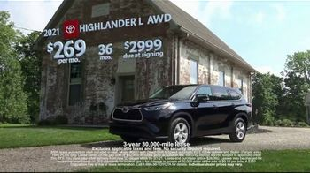 Toyota Run the Numbers Winter Event TV Spot, 'Save: Highlander' [T2] - Thumbnail 3