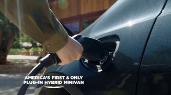 Chrysler Presidents Day Event TV Spot, 'Your Whole World' [T2] - Thumbnail 5