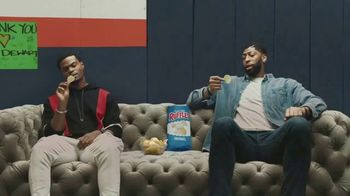 Ruffles TV Spot, 'Ruffles Without Ridges: T-Pain and Coach' Featuring Anthony Davis, King Bach, T-Pain - Thumbnail 5