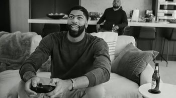 Michelob ULTRA TV Spot, 'Joy' Featuring Anthony Davis, Song by A Tribe Called Quest - Thumbnail 2