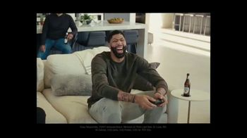 Michelob ULTRA TV Spot, 'Joy' Featuring Anthony Davis, Song by A Tribe Called Quest - Thumbnail 6