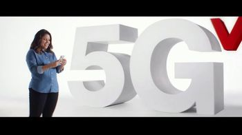 Verizon TV Spot, 'Todos merecen lo mejor: Apple Music y iPhone 12' [Spanish] - Thumbnail 1