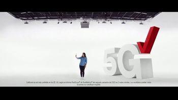 Verizon TV Spot, 'Todos merecen lo mejor: Apple Music y iPhone 12' [Spanish] - Thumbnail 2