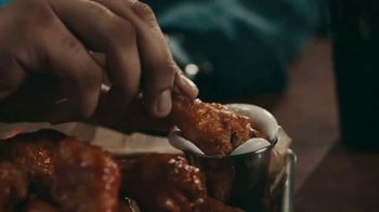 Buffalo Wild Wings TV Spot, 'The Big Dance Madness' - Thumbnail 7