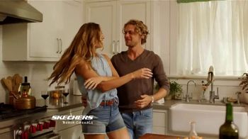 SKECHERS Beach Casuals TV Spot, 'It's a Vibe' - Thumbnail 6