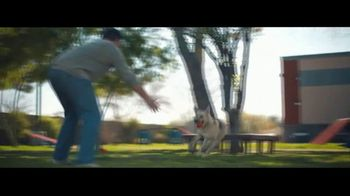 Gila River Casinos TV Spot, 'Play for Good: Soldier's Best Friend' - Thumbnail 7