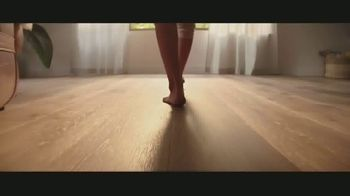 LL Flooring TV Spot, 'Bellawood Distressed Oak Floors: Save Up to $500' Song by Electric Banana - Thumbnail 1