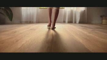 LL Flooring TV Spot, 'Bellawood Distressed Oak Floors: Save Up to $500' Song by Electric Banana - Thumbnail 2