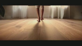 LL Flooring TV Spot, 'Bellawood Distressed Oak Floors: Save Up to $500' Song by Electric Banana - Thumbnail 3