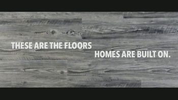 LL Flooring TV Spot, 'Bellawood Distressed Oak Floors: Save Up to $500' Song by Electric Banana - Thumbnail 6