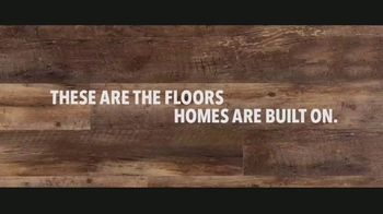 LL Flooring TV Spot, 'Bellawood Distressed Oak Floors: Save Up to $500' Song by Electric Banana - Thumbnail 7