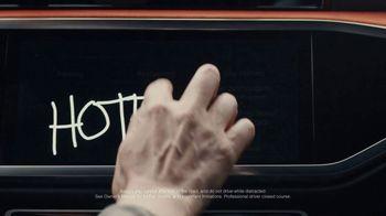 2019 Audi Q3 TV Spot, 'Touch' [T1] - Thumbnail 3