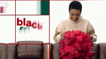 Ashley HomeStore Black Friday TV Spot, 'Reserva sus Doorbusters' [Spanish] - Thumbnail 2