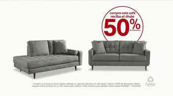 Ashley HomeStore Black Friday TV Spot, 'Sofá y divan' [Spanish] - Thumbnail 4