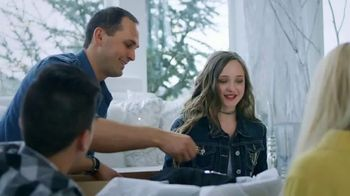 Poshmark TV Spot, 'Holidays: Up to 70% Off' - Thumbnail 4