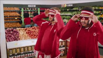Winn-Dixie TV Spot, 'Thanks-WINNING: Juggling' - Thumbnail 2