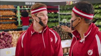 Winn-Dixie TV Spot, 'Thanks-WINNING: Juggling' - Thumbnail 4