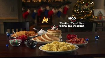IHOP Holiday Family Feast TV Spot, 'Panqueques de temporada' [Spanish] - Thumbnail 3