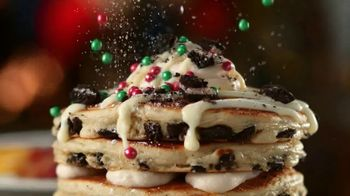 IHOP Holiday Family Feast TV Spot, 'Panqueques de temporada' [Spanish] - Thumbnail 5