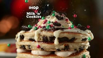 IHOP Holiday Family Feast TV Spot, 'Panqueques de temporada' [Spanish] - Thumbnail 6