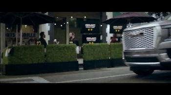 GMC Yukon TV Spot, 'FOX: Thursday Night Football' Featuring Tony Gonzalez [T1] - Thumbnail 1