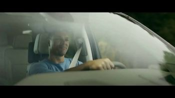 GMC Yukon TV Spot, 'FOX: Thursday Night Football' Featuring Tony Gonzalez [T1] - Thumbnail 4