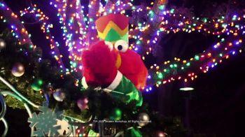 SeaWorld Black Friday Sale TV Spot, 'Christmas Celebration' - Thumbnail 4