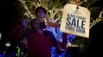 SeaWorld Black Friday Sale TV Spot, 'Christmas Celebration' - Thumbnail 8
