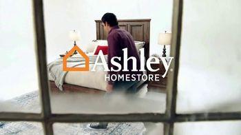 Ashley HomeStore Venta de Colchones de Black Friday TV Spot, 'Colchones selectos ajustables' [Spanish] - Thumbnail 1