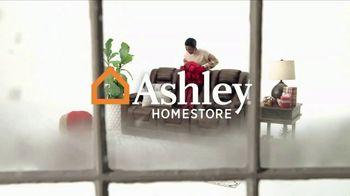 Ashley HomeStore Black Friday TV Spot, 'Compre uno y reciba uno 50% de descuento' [Spanish] - Thumbnail 1