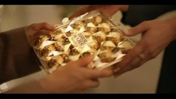 Ferrero Rocher TV Spot, 'Holidays: Golden Transformation' - Thumbnail 2
