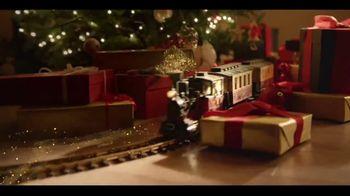 Ferrero Rocher TV Spot, 'Holidays: Golden Transformation' - Thumbnail 4