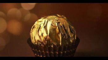 Ferrero Rocher TV Spot, 'Holidays: Golden Transformation'