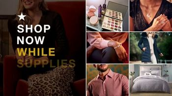 Macy's Black Friday Specials TV Spot, 'Fine Jewelry and Beauty Sets' - Thumbnail 3