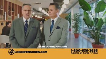 Los Defensores TV Spot, 'Atropellado' con Jorge Jarrín, Jaime Jarrín [Spanish] - Thumbnail 8